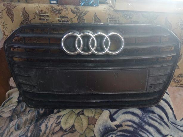 Решітка радіатора AUDI A6 2015