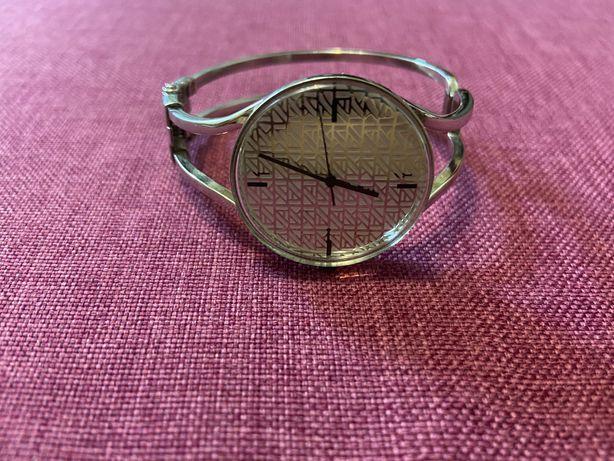 Часы - браслет Anne Klein 10/8605