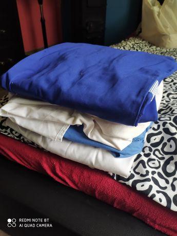 Fartuchy białe i niebieskie