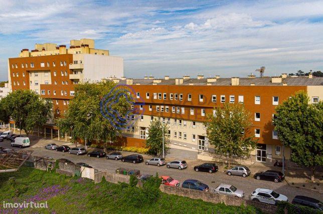 Apartamento T3 com terraço - Constituição - Porto