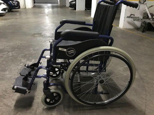 cadeira de rodas Breezy como novo