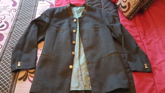 casaco fino de fazenda cinzento escuro