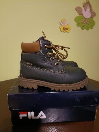 Buty zimowe chłopięce marki FILA.