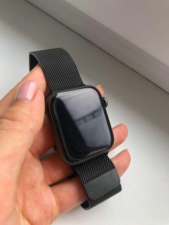 Apple Watch 4 44mm z oryginalną opaską metalową + gumowa opaska