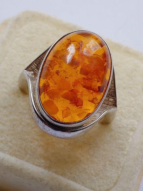 Stary srebrny pierścionek bursztyn bałtycki.próba 835 symbol ryby