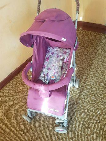 Продам срочно літню коляску для девочкі