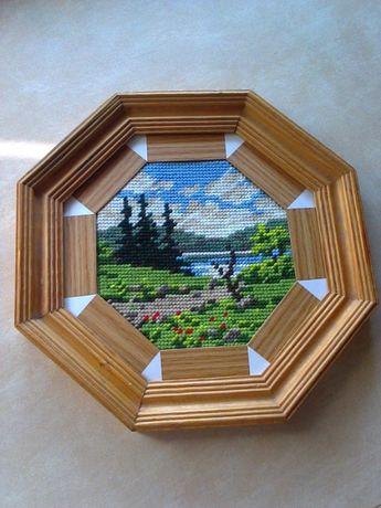 """Картина-вышивка крестиком """"Природа (пейзаж-лес-озеро-ели-небо)"""" в раме"""
