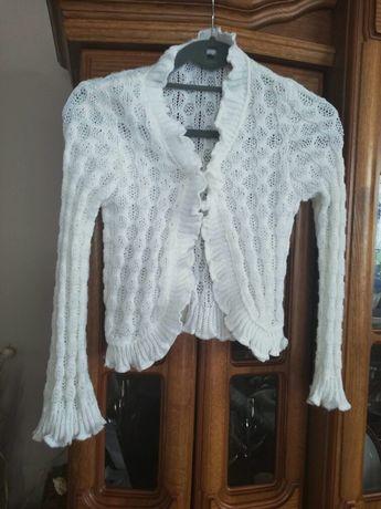 Śliczny biały sweterek 134 dla dziewczynki