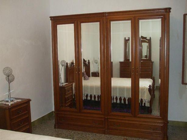 Mobília de Quarto de Casal em Carvalho com 8 meses - está como nova