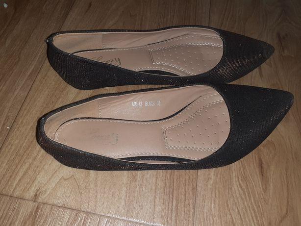 Oddam buty balerinki, jak nowe