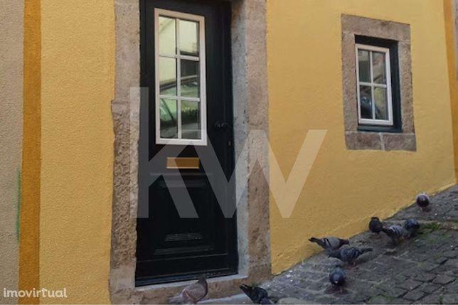 Estúdio remodelado e equipado para venda em Santa Catarina - Lisboa