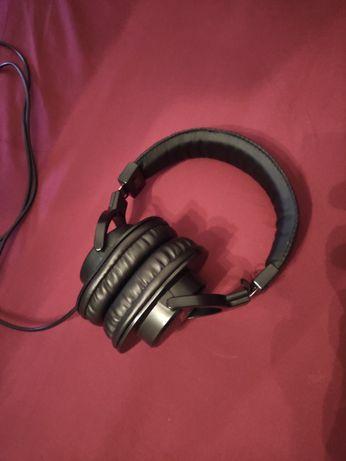Наушники M-Audio HDH40