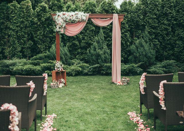 Свадебная арка и фотозона в аренду