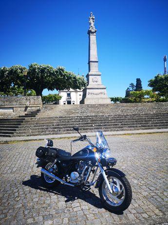 Moto 125c com 5000km de 2011 impecável