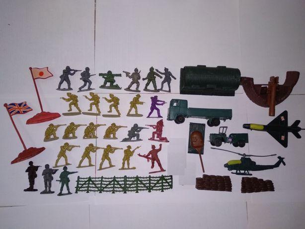 Солдатики из разных наборов