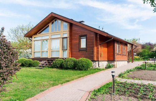 Продам дом - Хлепча - 500 м2 - 100 соток - свое озеро, выход на воду