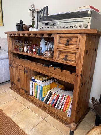 Bar em madeira mexicana