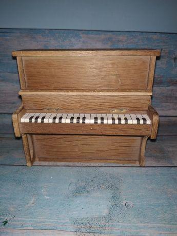 Пианино кукольная миниатюра