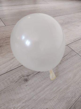 Jasne duże balony