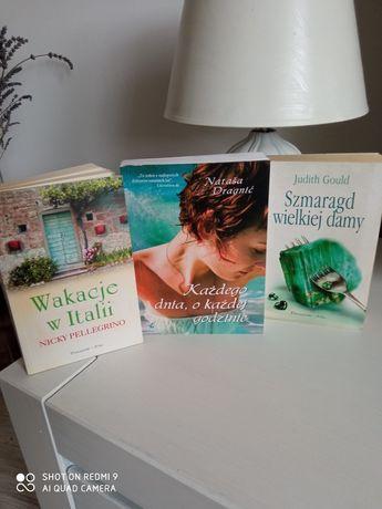 Książki -trzy sztuki.