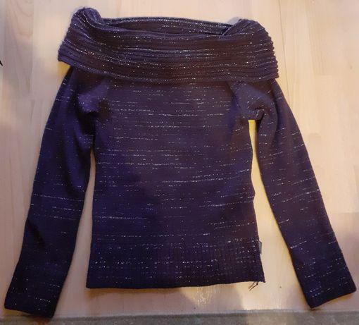 Ciepły sweter ze srebrną nitką