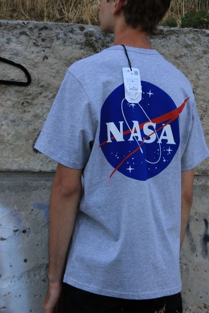 Футболка Nasa Pull and Bear Наса