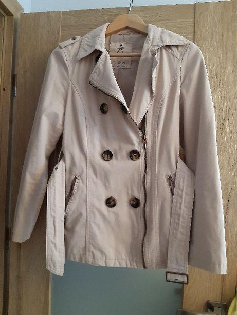 Kurteczka, kurtka, płaszczyk beżowy rozmiar 38 Atmosphere