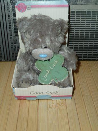Мишка Тедди в коробочке с кленовым листочком