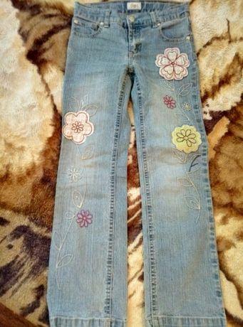 Джинсы/брюки для девочки