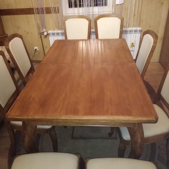 Sprzedam stół i 8 krzeseł Słupca - image 1