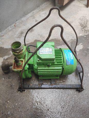 Motor de água alcance 20 metros