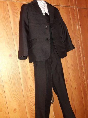 Красивый костюм для мальчика (3-4 изделия)