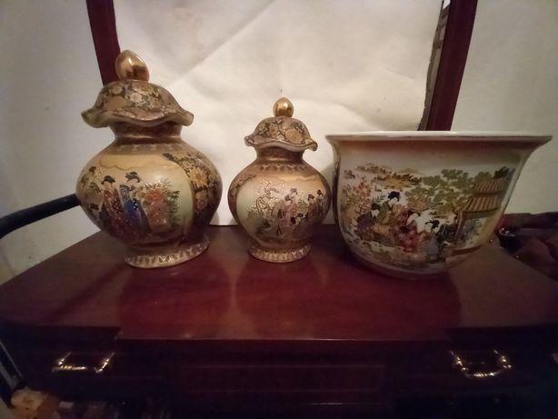 Potes e vaso em porcelana chinesa Satsuma