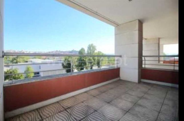 Apartamento T1 à venda em Santa Clara e Castelo Viegas