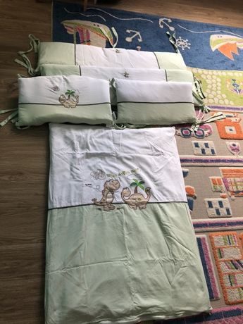 Комплект у ліжечко (одіяло+ бортики) у гарному стані