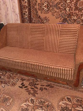 Продам большой раскладной диван + 2 раскладных кресла