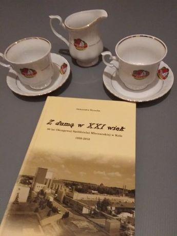 Jubileuszowy zestaw dwie filiżanki, mlecznik (Chodzież) wraz z książką