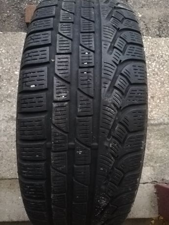 Pojedyncza opona Pirelli Sottozero Winter 210 serie2 205/50/17 93H