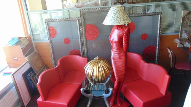 Стильные кресла для ресторана под кожу страуса Германия