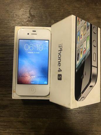 Продам Айфон 4S.