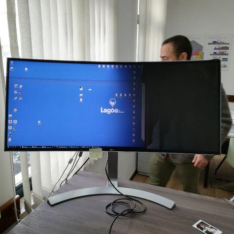 Monitor curvo LG modelo 34UC98-W para peças