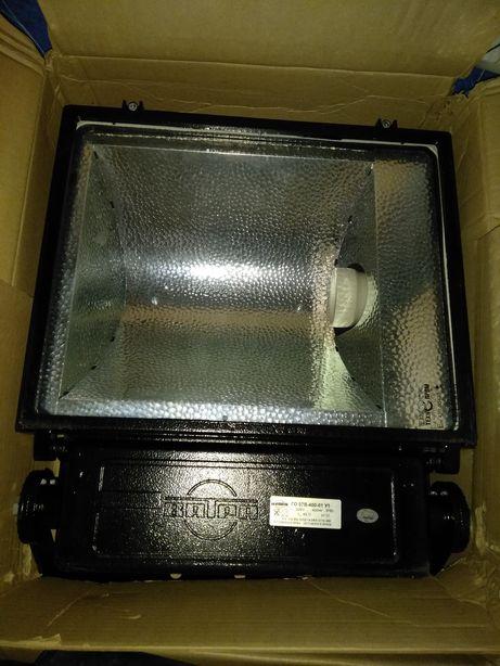 Продам прожектор ГО07В-400-01