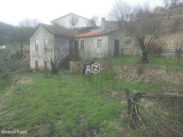 Quinta com moradia isolada para reconstruir - Oliveira do Hospital