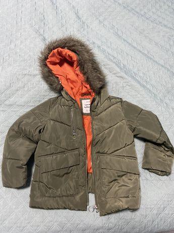 Зимняя куртка Зара. На 5-6 лет. 116 см