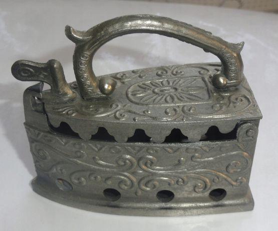 Żelazko pojemnik metalowe