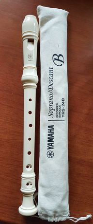 Sprzedam flet Yamaha YRS-24B