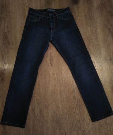 Тёплые зимние мужские джинсы (размер W30, L34)
