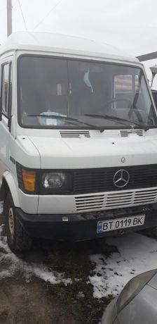 Микроавтобус Mercedes 209D 1987
