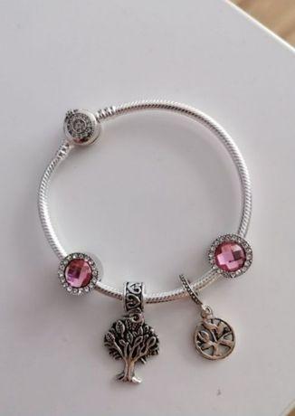 Bransoletka Pandora 19cm koronką plus charmsy