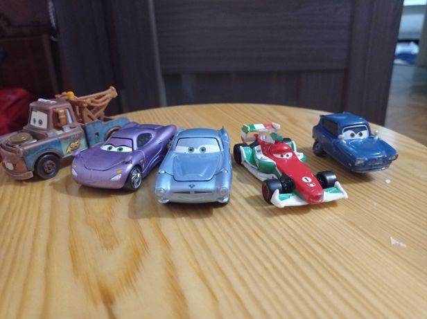 Машинки  из мультфильма тачки